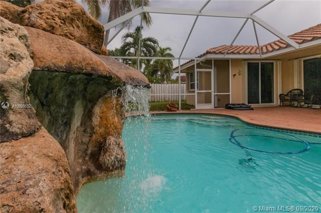Silver Lakes At Pembroke for Sale - 1593 NW 182nd Way, Pembroke Pines 33029, photo 41 of 51