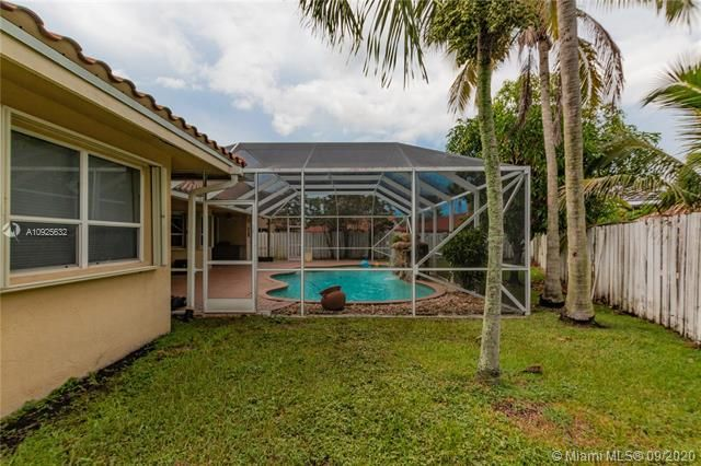 Silver Lakes At Pembroke for Sale - 1593 NW 182nd Way, Pembroke Pines 33029, photo 44 of 51