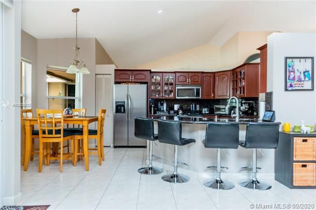 Silver Lakes At Pembroke for Sale - 1593 NW 182nd Way, Pembroke Pines 33029, photo 7 of 51