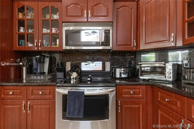Silver Lakes At Pembroke for Sale - 1593 NW 182nd Way, Pembroke Pines 33029, photo 9 of 51