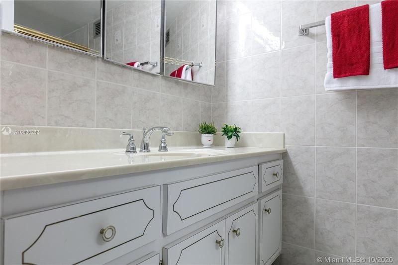 Crystal Tower for Sale - 322 Buchanan St, Unit 609, Hollywood 33019, photo 21 of 43