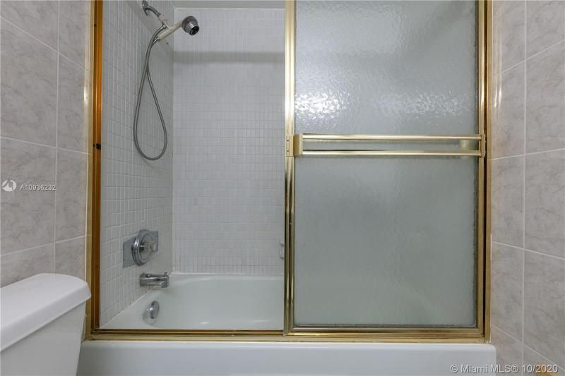 Crystal Tower for Sale - 322 Buchanan St, Unit 609, Hollywood 33019, photo 22 of 43