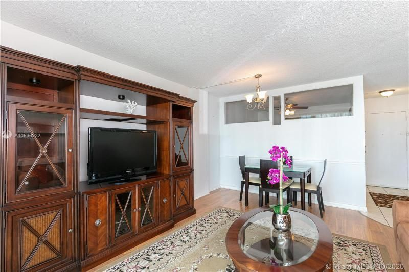 Crystal Tower for Sale - 322 Buchanan St, Unit 609, Hollywood 33019, photo 4 of 43