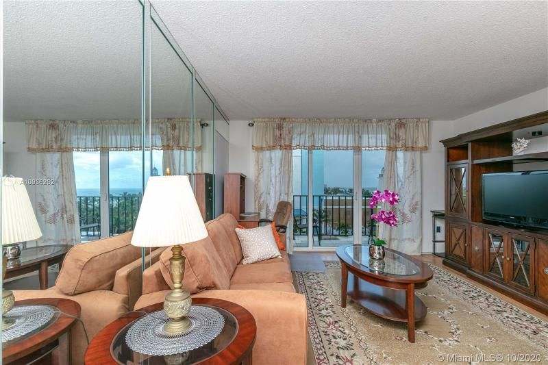 Crystal Tower for Sale - 322 Buchanan St, Unit 609, Hollywood 33019, photo 5 of 43