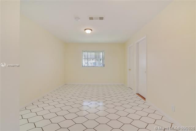 Paradise Gardens Sec 4 for Sale - 7250 NW 9th St, Margate 33063, photo 7 of 16