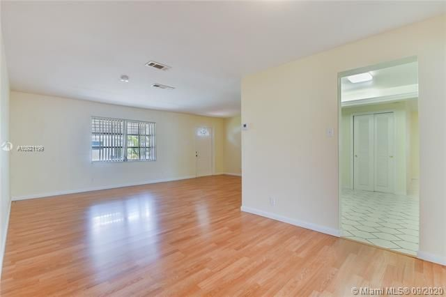 Paradise Gardens Sec 4 for Sale - 7250 NW 9th St, Margate 33063, photo 8 of 16