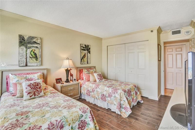 Summit for Sale - 1201 S Ocean Dr, Unit 1402N, Hollywood 33019, photo 15 of 55