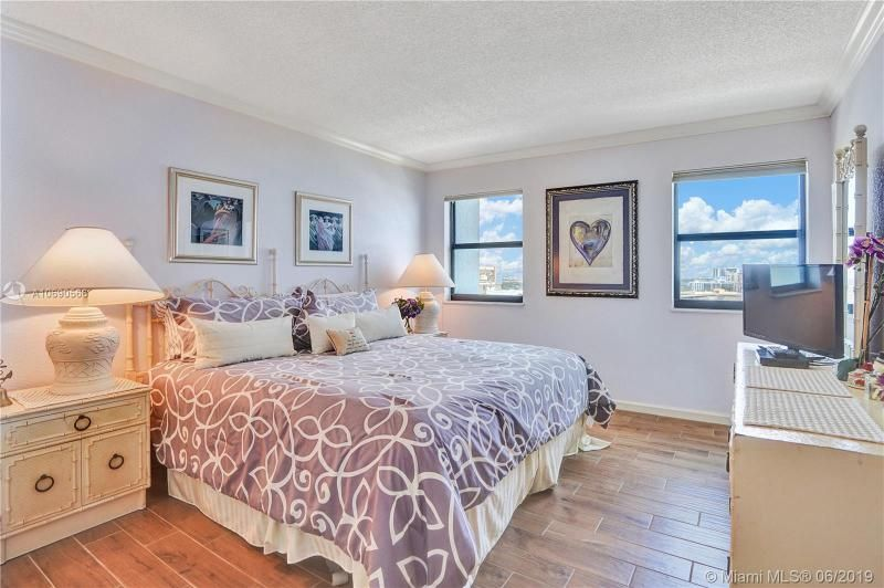 Summit for Sale - 1201 S Ocean Dr, Unit 1402N, Hollywood 33019, photo 16 of 55