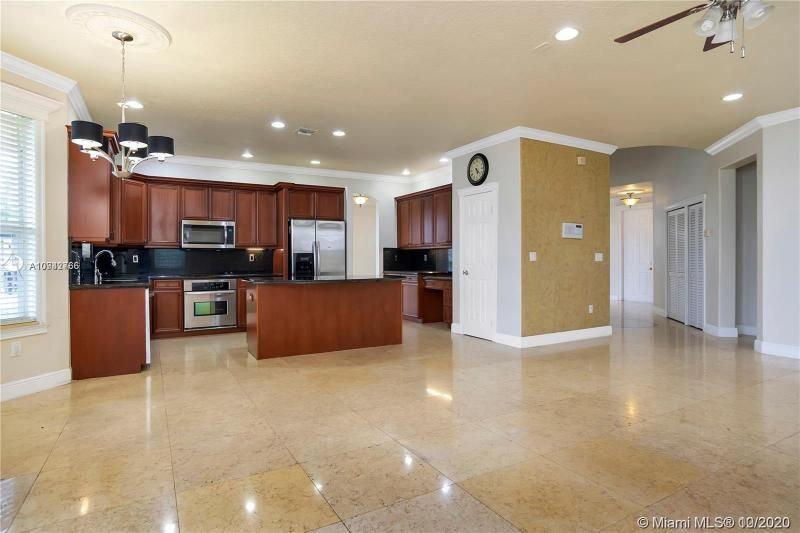Riviera Isles for Sale - 15835 SW 52nd Ct, Miramar 33027, photo 10 of 43