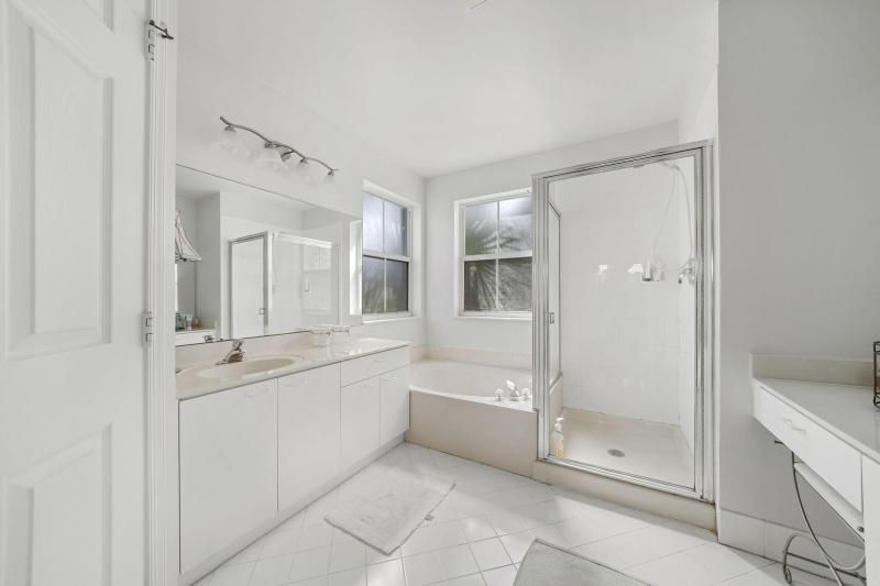Riviera Isles for Sale - 17175 SW 49th Place, Miramar 33027, photo 11 of 31