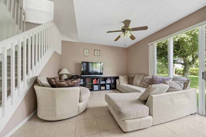 Riviera Isles for Sale - 17175 SW 49th Place, Miramar 33027, photo 4 of 31
