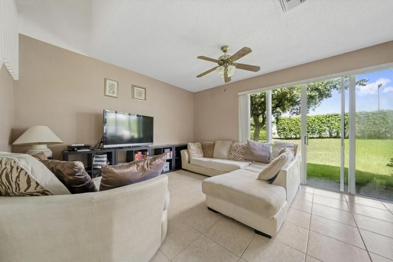 Riviera Isles for Sale - 17175 SW 49th Place, Miramar 33027, photo 5 of 31
