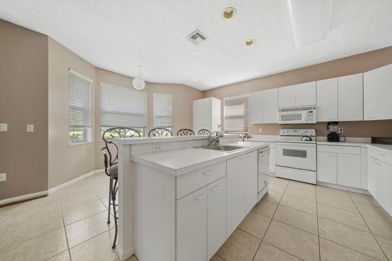 Riviera Isles for Sale - 17175 SW 49th Place, Miramar 33027, photo 6 of 31