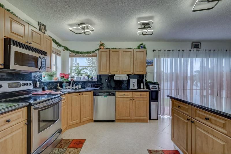 Winston Park Sec 2-a for Sale - 5433 NW 43rd Way, Coconut Creek 33073, photo 10 of 29