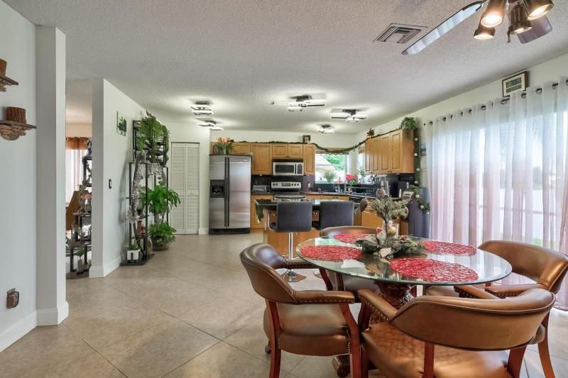 Winston Park Sec 2-a for Sale - 5433 NW 43rd Way, Coconut Creek 33073, photo 11 of 29