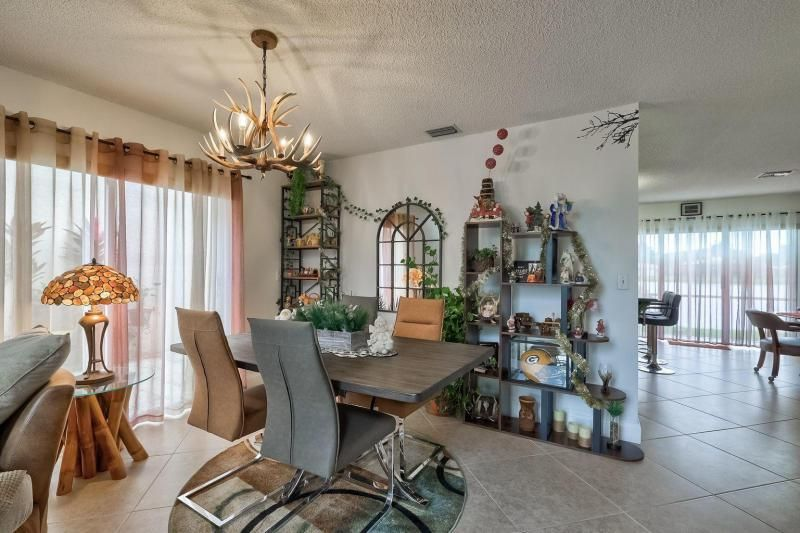 Winston Park Sec 2-a for Sale - 5433 NW 43rd Way, Coconut Creek 33073, photo 3 of 29