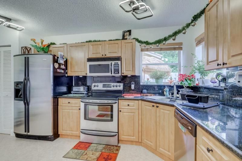 Winston Park Sec 2-a for Sale - 5433 NW 43rd Way, Coconut Creek 33073, photo 9 of 29