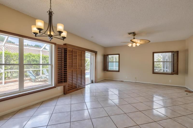 Winston Park Sec 3 for Sale - 4467 NW 63rd Drive, Coconut Creek 33073, photo 10 of 28