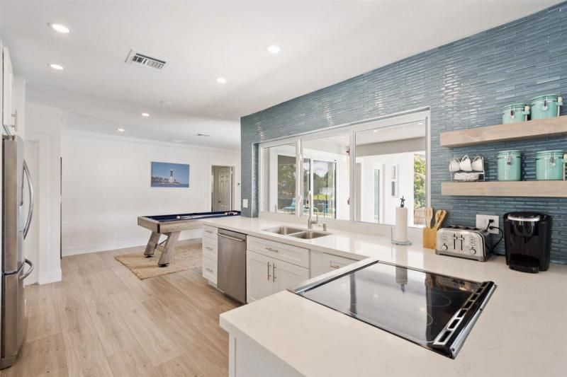 Venetian Isles for Sale - 2180 NE 44th Court, Lighthouse Point 33064, photo 17 of 34
