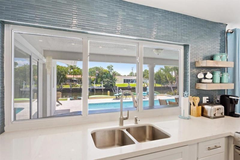 Venetian Isles for Sale - 2180 NE 44th Court, Lighthouse Point 33064, photo 19 of 34