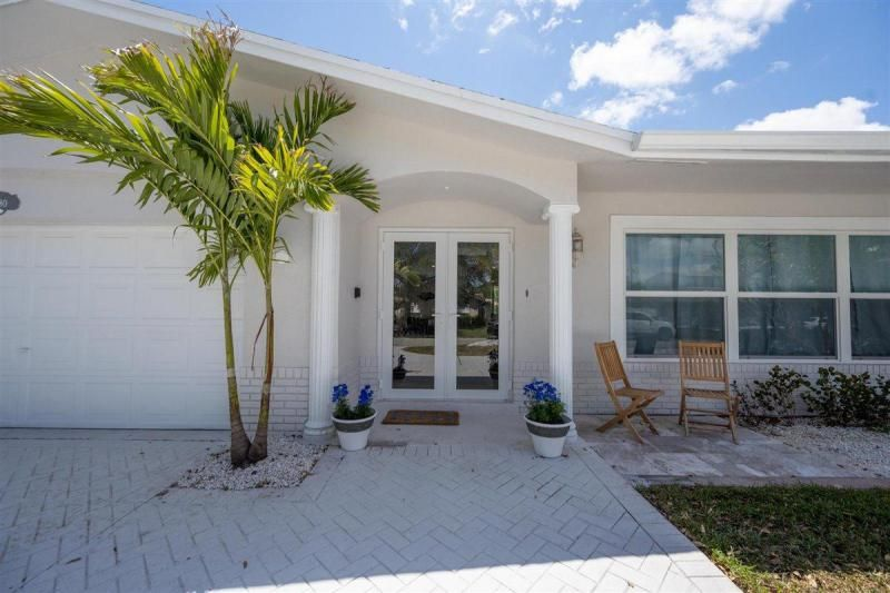 Venetian Isles for Sale - 2180 NE 44th Court, Lighthouse Point 33064, photo 4 of 34