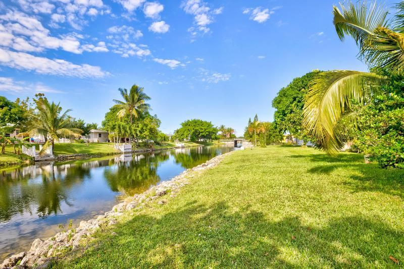 Paradise Gardens Sec 1 for Sale - 1125 NW 69th Avenue, Margate 33063, photo 1 of 25
