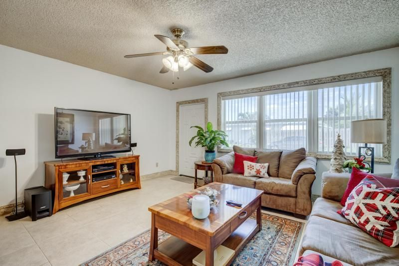 Paradise Gardens Sec 1 for Sale - 1125 NW 69th Avenue, Margate 33063, photo 10 of 25