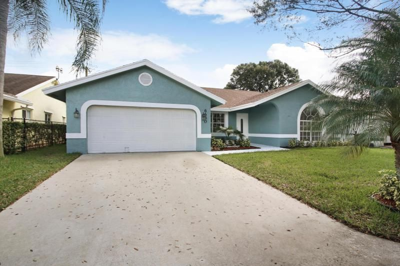 Parkwood Vi for Sale - 6630 NW 41 Terrace, Coconut Creek 33073, photo 2 of 27