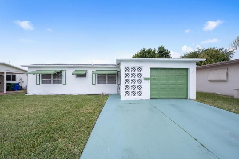 Paradise Gardens for Sale - 1095 NW 66th Terrace, Margate 33063, photo 1 of 17