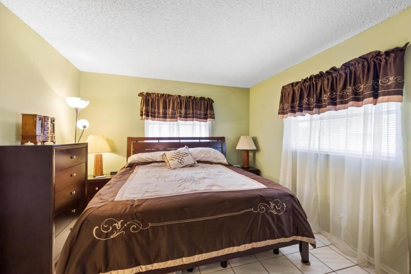Paradise Gardens for Sale - 1095 NW 66th Terrace, Margate 33063, photo 12 of 17