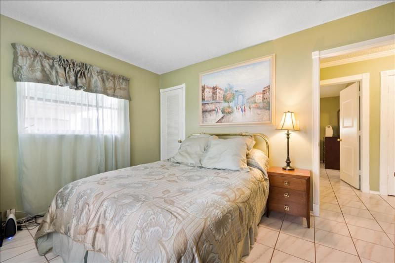 Paradise Gardens for Sale - 1095 NW 66th Terrace, Margate 33063, photo 14 of 17