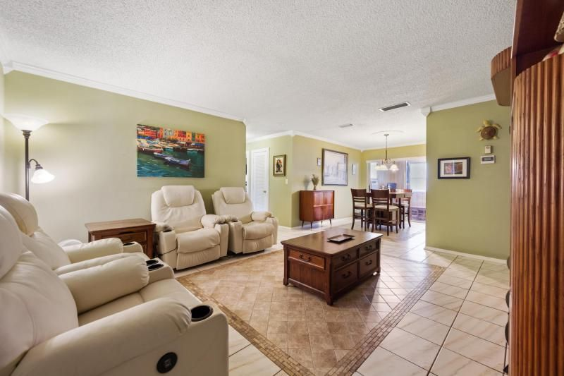 Paradise Gardens for Sale - 1095 NW 66th Terrace, Margate 33063, photo 3 of 17