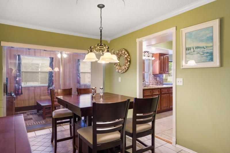 Paradise Gardens for Sale - 1095 NW 66th Terrace, Margate 33063, photo 4 of 17