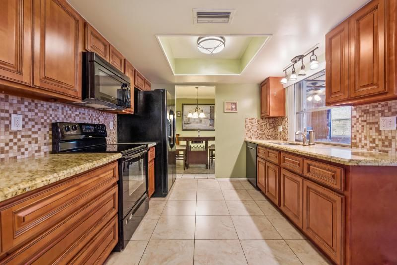 Paradise Gardens for Sale - 1095 NW 66th Terrace, Margate 33063, photo 9 of 17