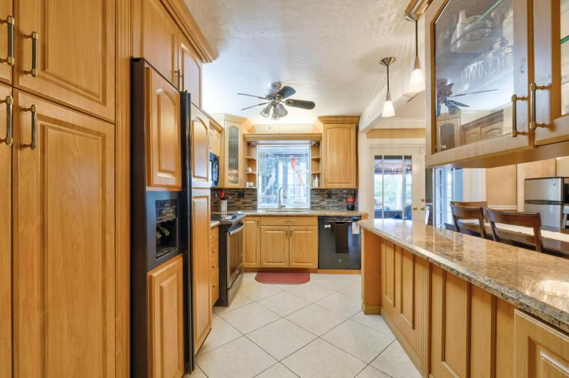 Oriole-margate Sec 2 for Sale - 6624 NW 3rd Street, Margate 33063, photo 20 of 47