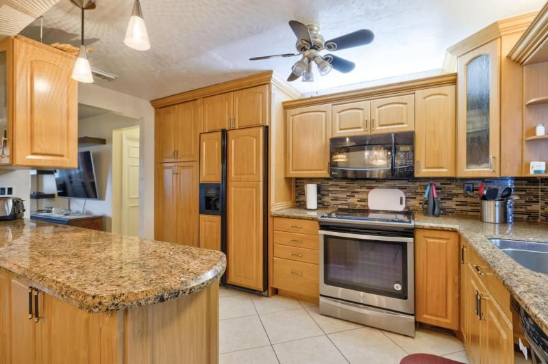 Oriole-margate Sec 2 for Sale - 6624 NW 3rd Street, Margate 33063, photo 24 of 47