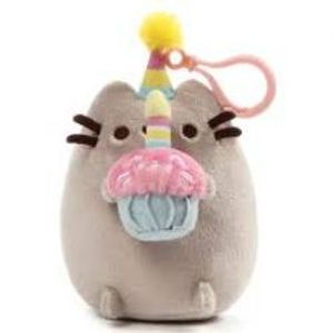 PUSHEEN -  PUSHEEN B-DAY CUPCAKE BACKPACK CLIP (5INCH)