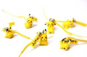POKEMON -  1 RANDOM PIKACHU CELLPHONE STRAP