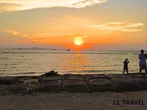 曼谷芭堤雅8天遊 DAY 1  芭堤雅沙灘