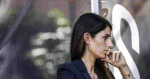 Roma, Raggi non pubblica la relazione di fine mandato: rischia lo stipendio