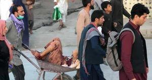 Le foto delle esplosioni all'aeroporto di Kabul