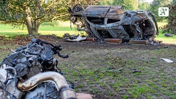 Verfolgungsjagd: Mercedes AMG fliegt durch Garten und brennt aus