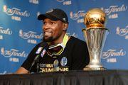 Kevin Durant 成為第三位球員加入球隊第一年便取得總決賽MVP!