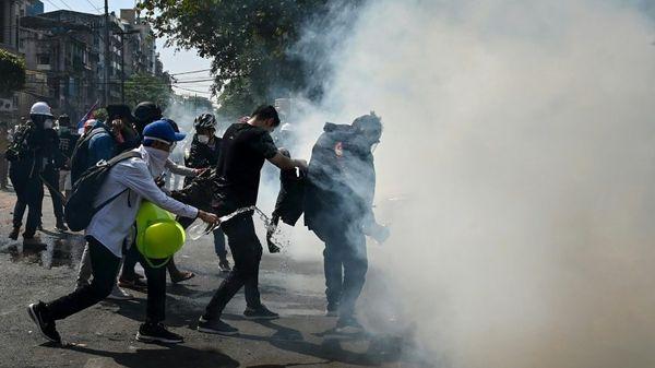 Myanmar: Mehrere Demonstranten von Polizisten erschossen
