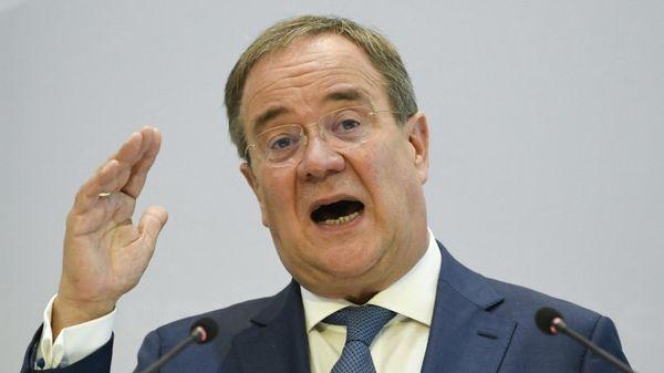 Laschet: Vorzeitiger Abschied vom Verbrenner schlecht für das… Bei einer Pressekonferenz mit Friedrich Merz hat Unions-Kanzlerkandidat Armin Laschet (CDU) erläutert, dass ein vorzeitiger Ausstieg aus dem…