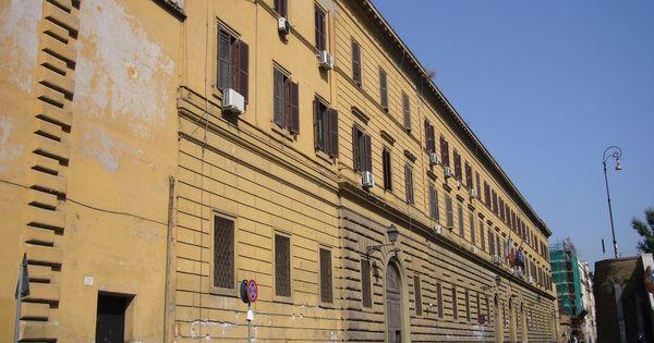 Covid, focolaio nel carcere di Regina Coeli a Roma. Quaranta detenuti in isolamento. La direttrice: Subito i vaccini