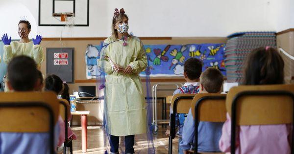 Covid, via libera ai test salivari. Il Ministero della salute: utili nelle scuole e per gli anziani