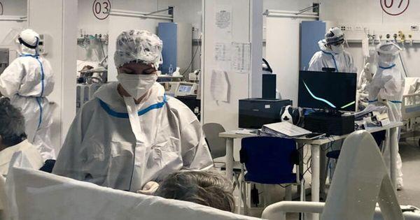 Covid, 881 nuovi contagi e 17 morti: il dato di vittime più basso dal 5 ottobre scorso