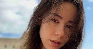 Aurora Ramazzotti, cartoline sexy da Mykonos: il fotografo è il fidanzato Goffredo Cerza | Foto