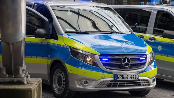 Bochum: Jugendlicher von 14(!)-köpfiger Gruppe verprügelt – Polizei sucht Zeugen